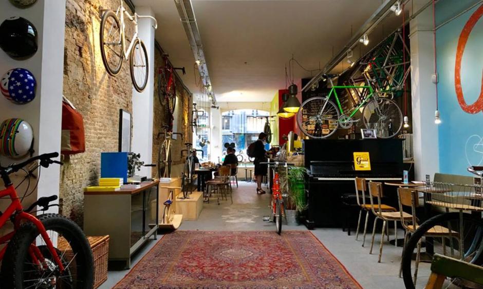 Lola Bikes & Coffee studieplek Den Haag