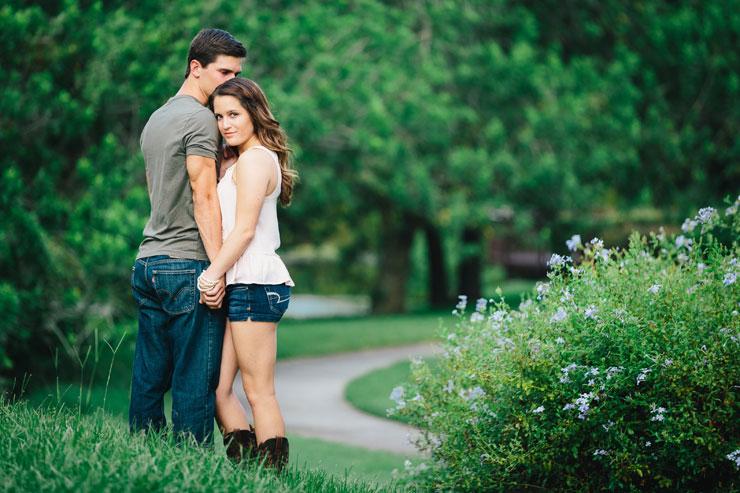Outdoor Engagement PhotosOutdoor Engagement Photos
