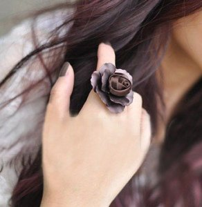 Iron-sheet-rose-ring-fabric-flower-heart-ring-brown-metal-alloy-ring-simple-generous-big-finger