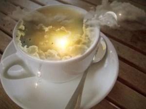 太陽とコーヒーカップ