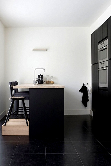 black kitchens 2