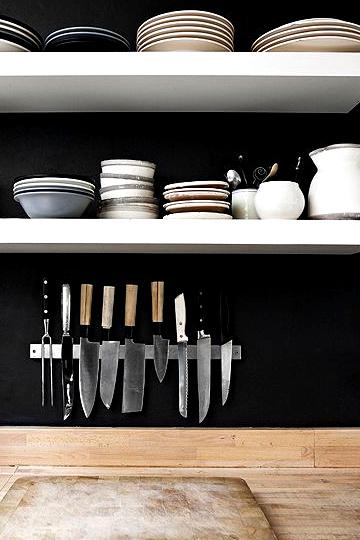 black kitchens 6