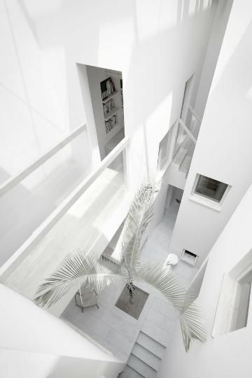 walkway white on white