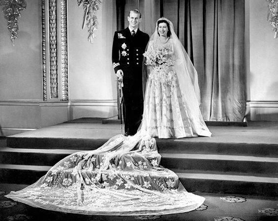 queens wedding dress