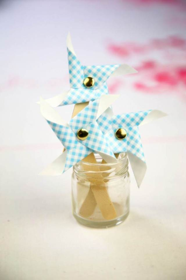 How to make pin wheels for your vintage wedding from Betty Pamper via the National Vintage Wedding Fair