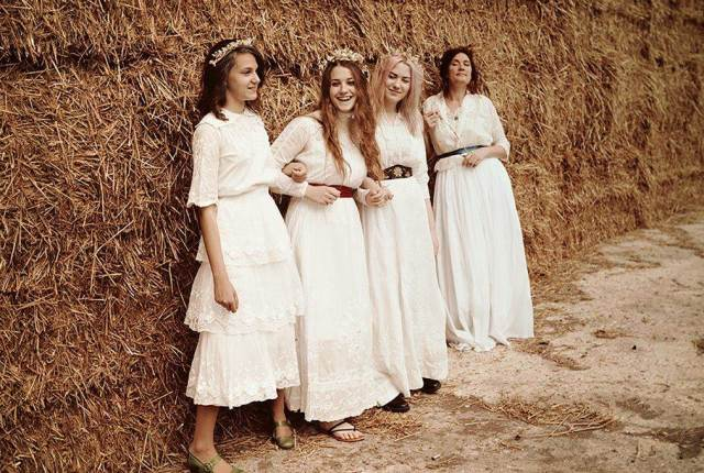 Vintage wedding dresses by Real Green Dress, Photo by Nikki Nicolle as featured on The National Vintage Wedding Fair blog