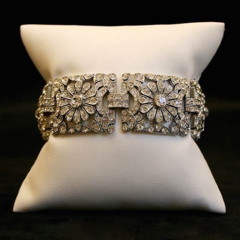 Gemma Redmond Vintage Jewellery for the Unique Bride Club by the National Vintage Wedding Fair 3