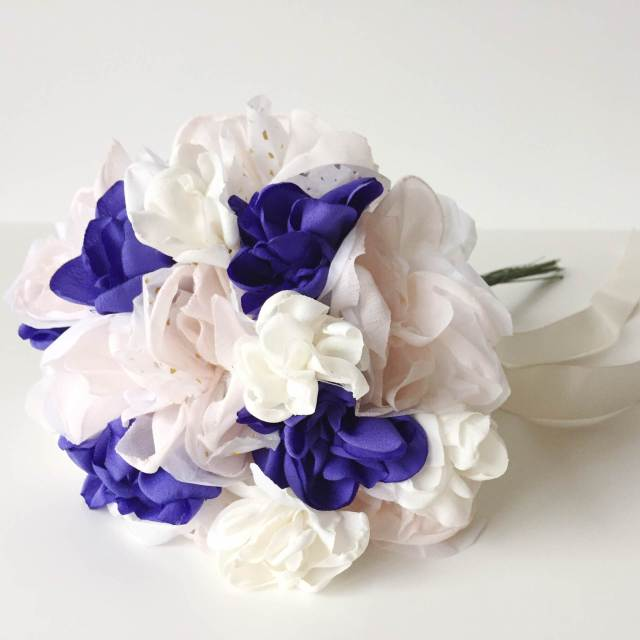 Daphne Rosa handmade flowers wedding bouquets as featured on the National Vintage Wedding Fair blog