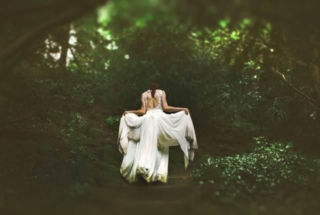 Make Your Wedding Look Like a Vintage Fairy-Tale