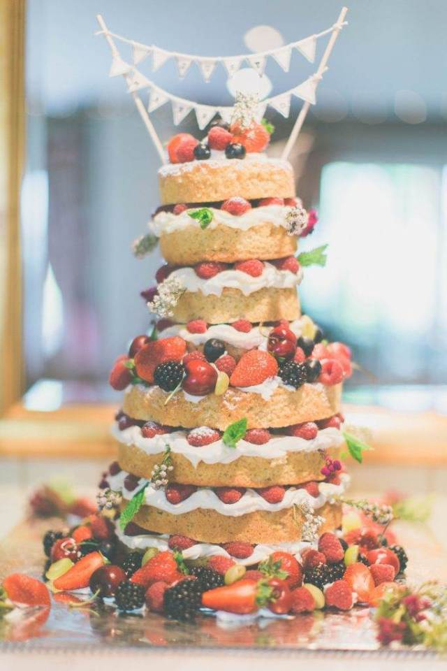 A 1960s vintage wedding dress and a naked cake