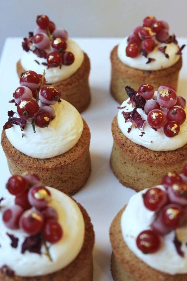 Wedding Cake Trends Mini Cakes