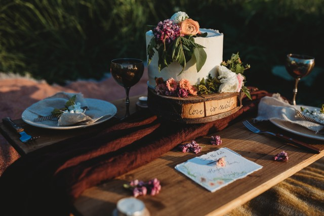 Rustic Sunset Wedding Inspiration with a touch of Vintage