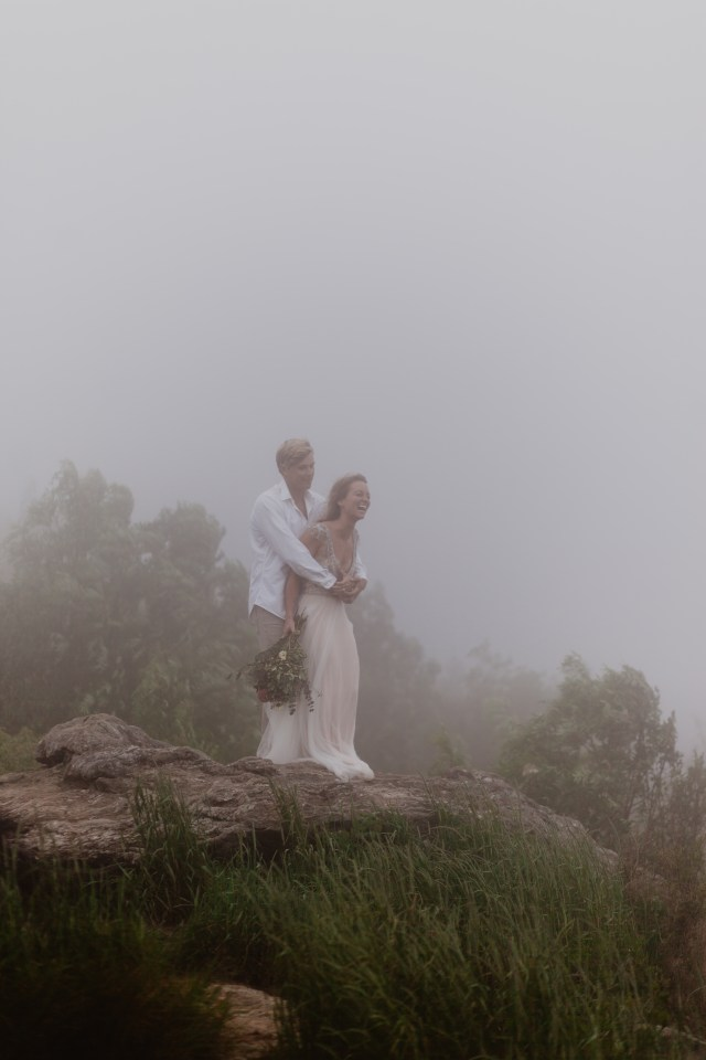 Romantic Elopement Mountain Wedding - Intimate and Minimalistic Inspiration