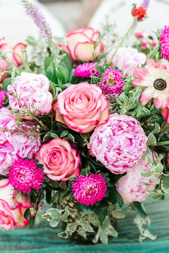 Emerald Wedding Ideas - An Elegant and Modern Styled Elopement in Phoenix, Arizona