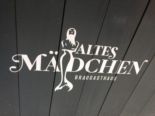 Altes Madchen Braugasthaus in Hamburg