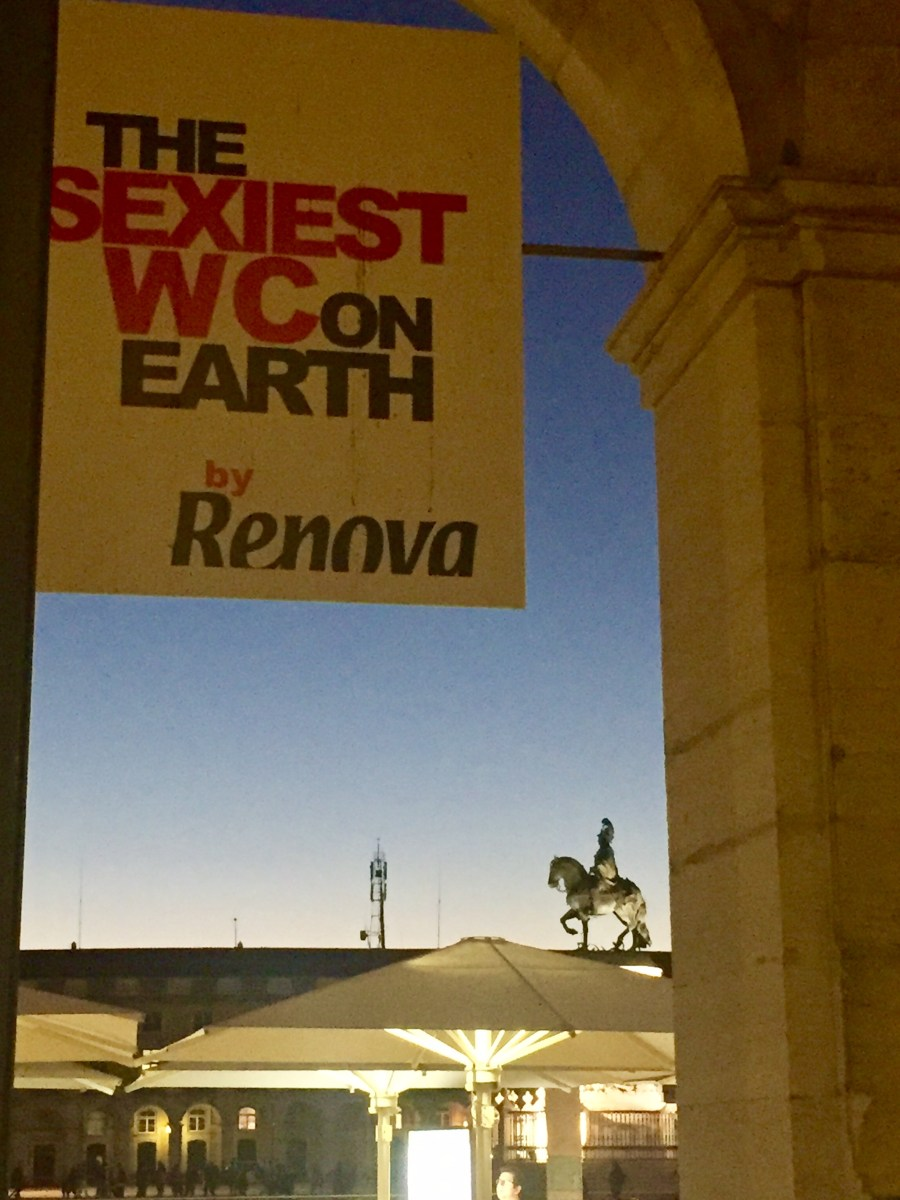The sexiest WC on earth in Lisbon, Portugal