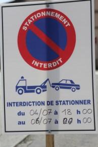 Von 18h00 am 4. Juli bis 00h00 am 6. Juli ist Parken verboten - ansonsten wird man abgeschleppt!