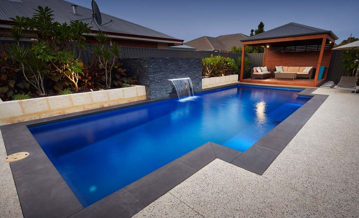 Awesome Elegant Swimming Pools Design Ideas 24