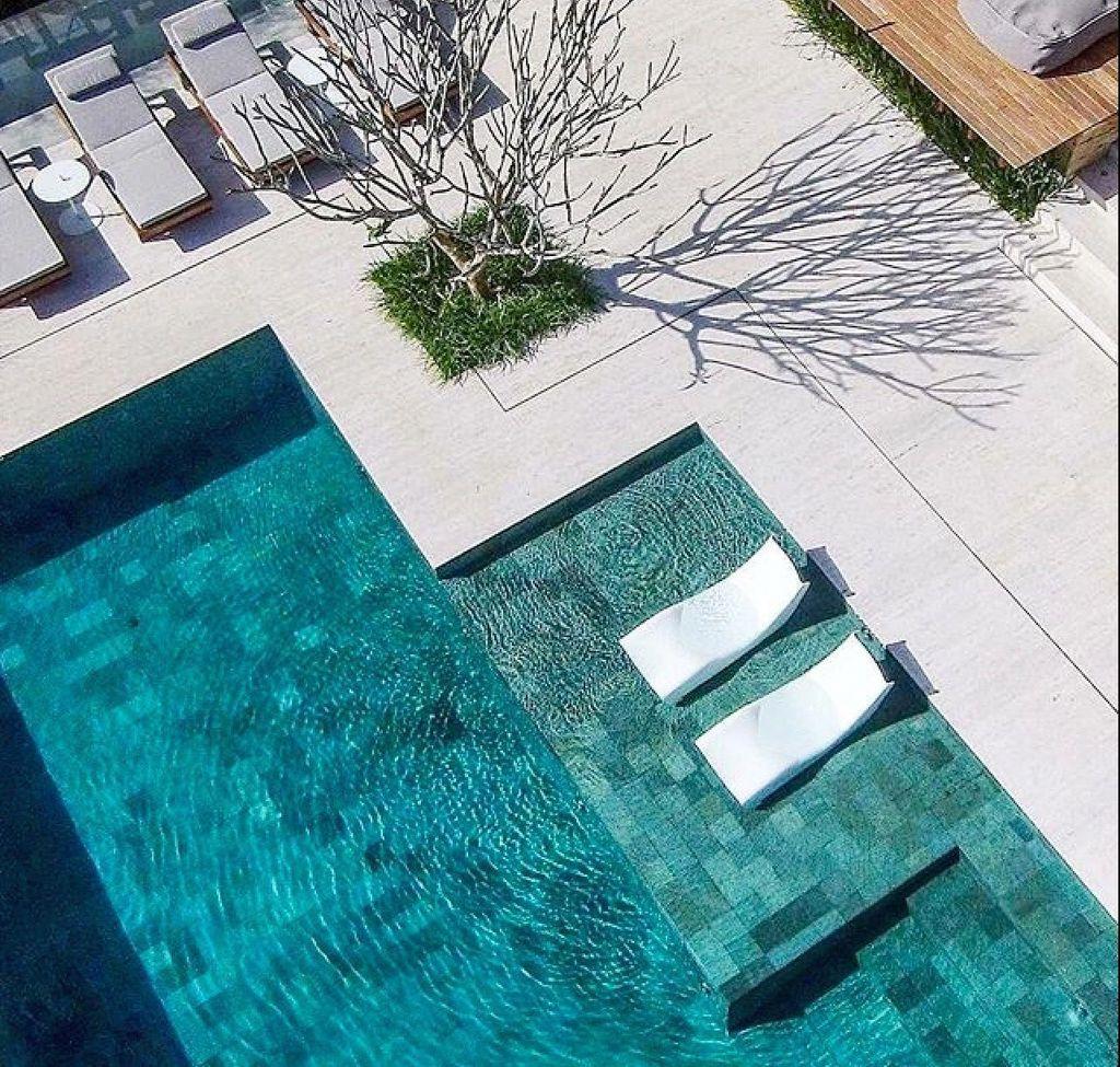 Gorgeous Summer Outdoor Pool Design Ideas 31