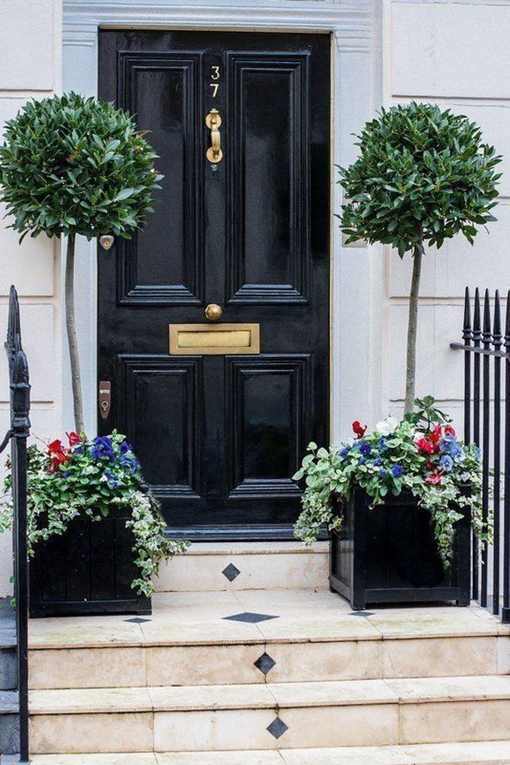 Inspiring Spring Planters Design Ideas For Front Door 28