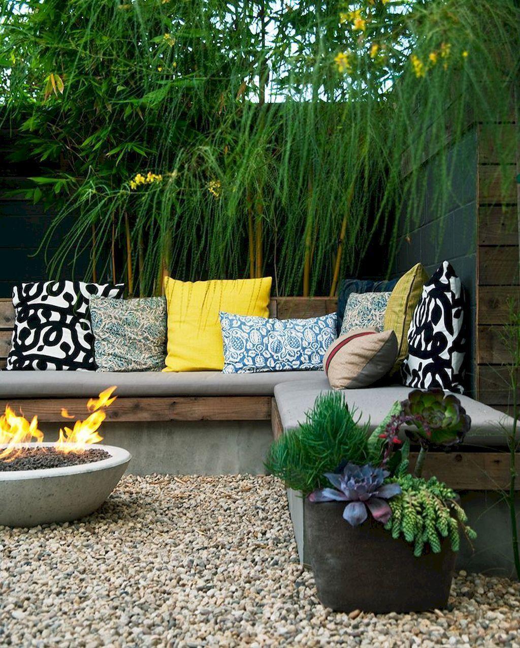 Stunning Summer Backyard Decoration Ideas 04