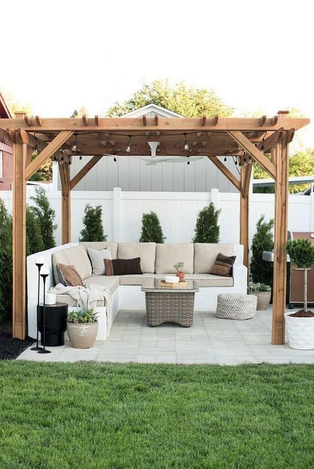 Stunning Summer Backyard Decoration Ideas 15