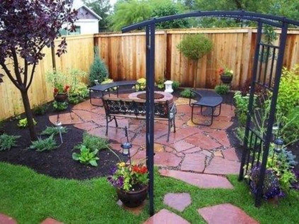 Stunning Summer Backyard Decoration Ideas 31