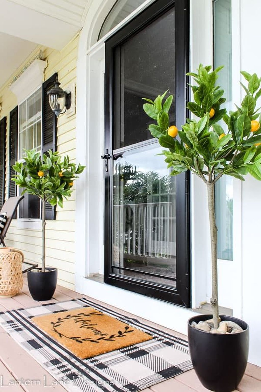 The Best Front Porch Ideas For Summer Decorating 31