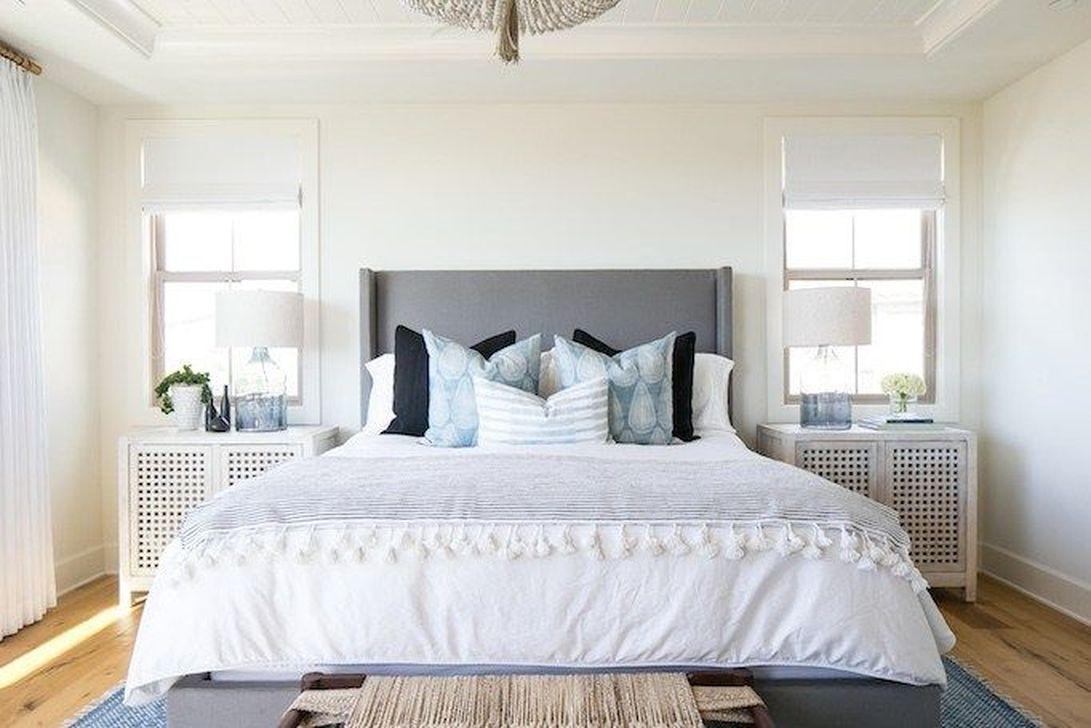 Wonderful Modern Coastal Bedroom Decoration Ideas 33