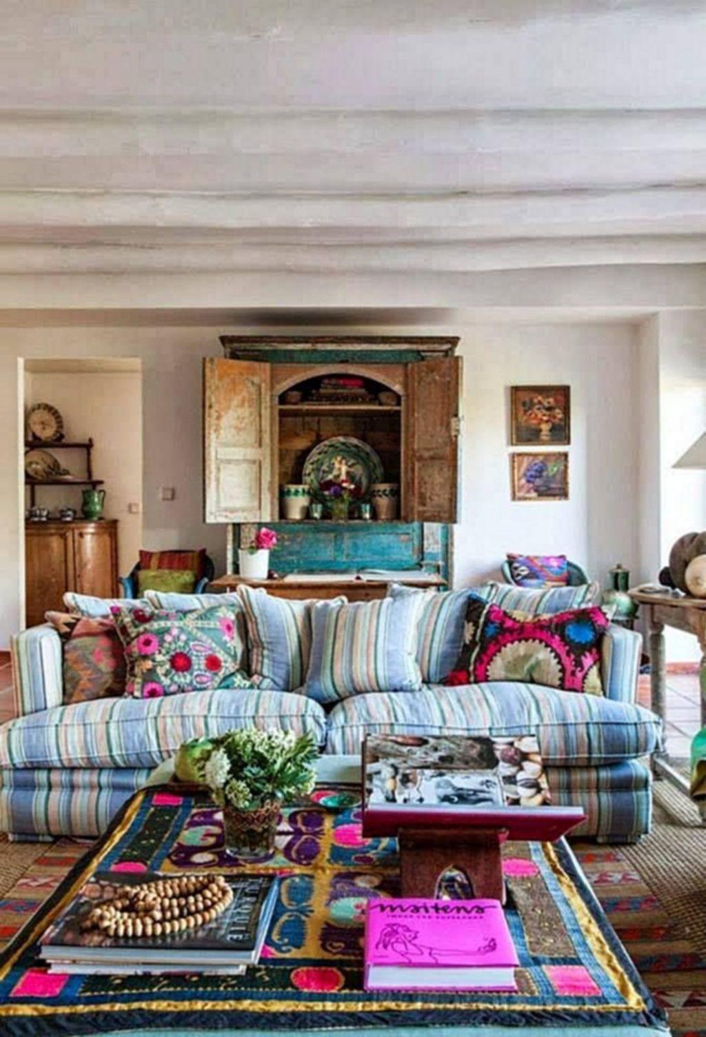 Amazing Bohemian Farmhouse Living Room Design Ideas 18