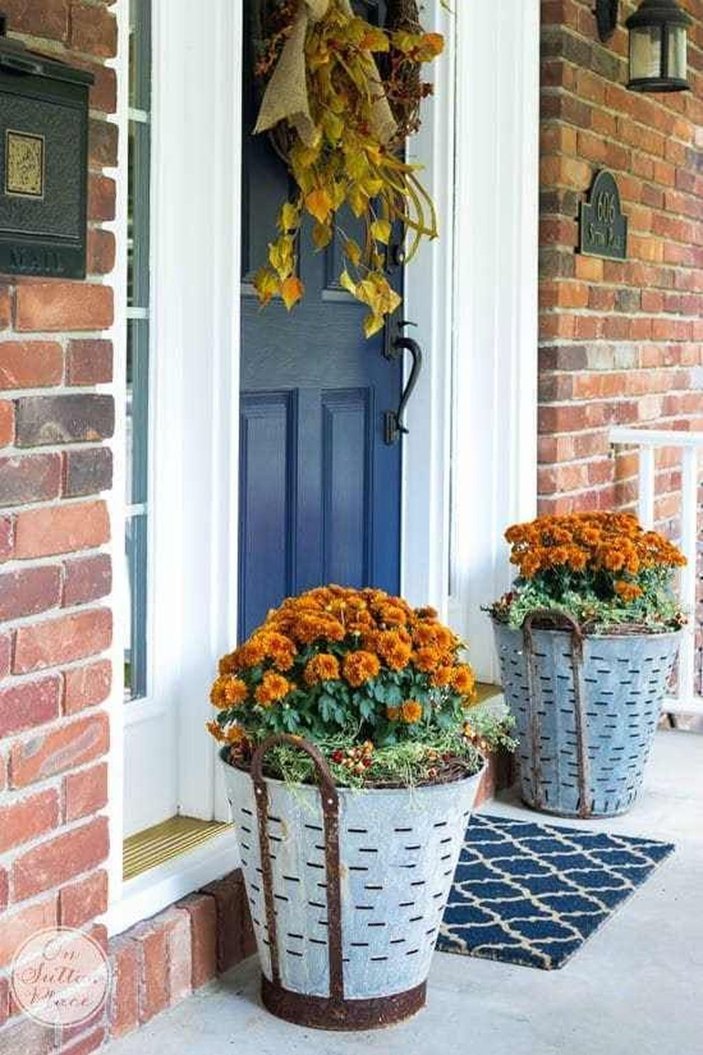 Amazing Fall Planter Ideas Best For Front Porches 33
