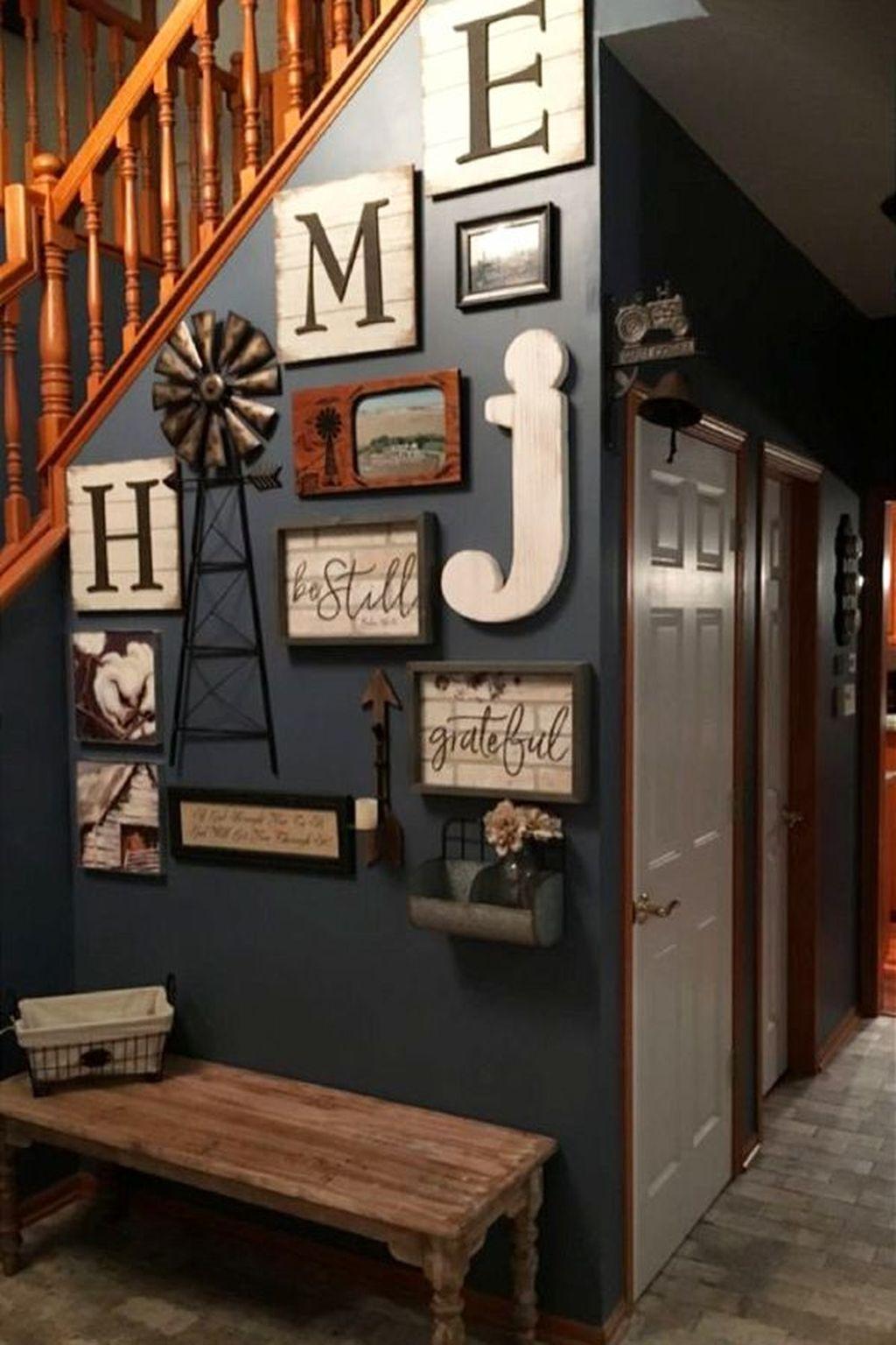 Amazing Small Entryway Decor Ideas 19