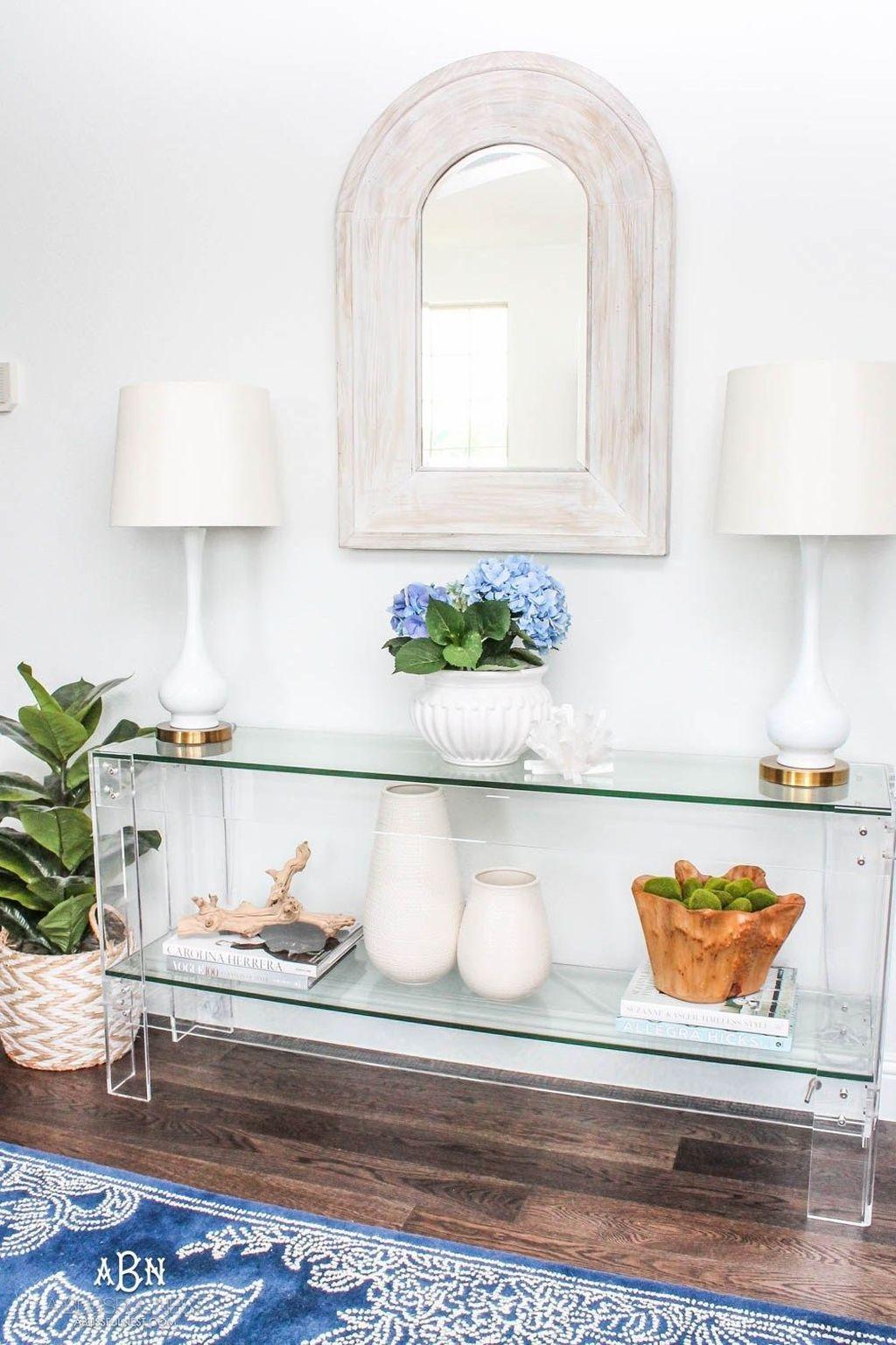 Amazing Small Entryway Decor Ideas 20