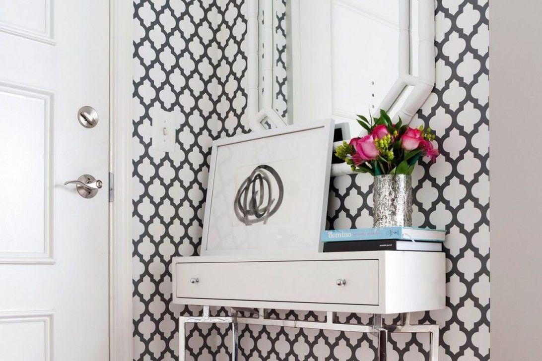 Amazing Small Entryway Decor Ideas 32