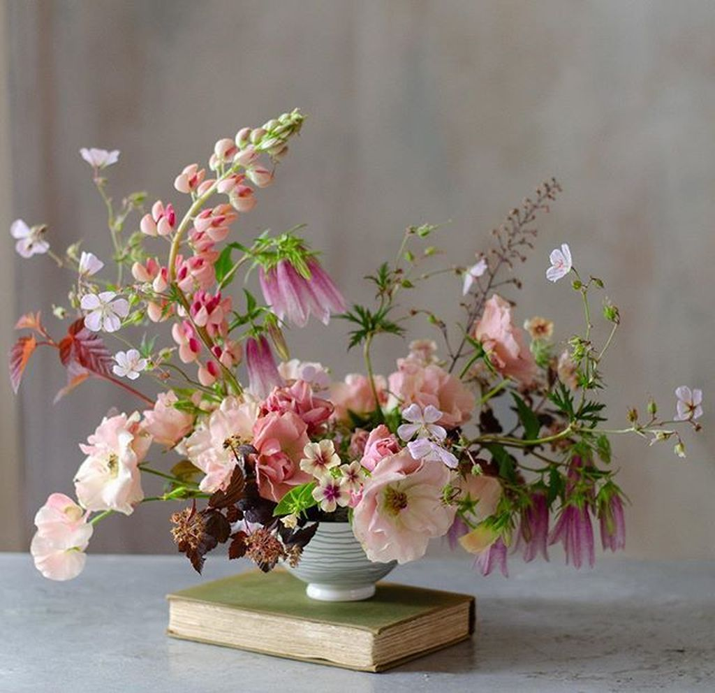 Amazing Unique Flower Arrangements Ideas For Your Home Decor 01