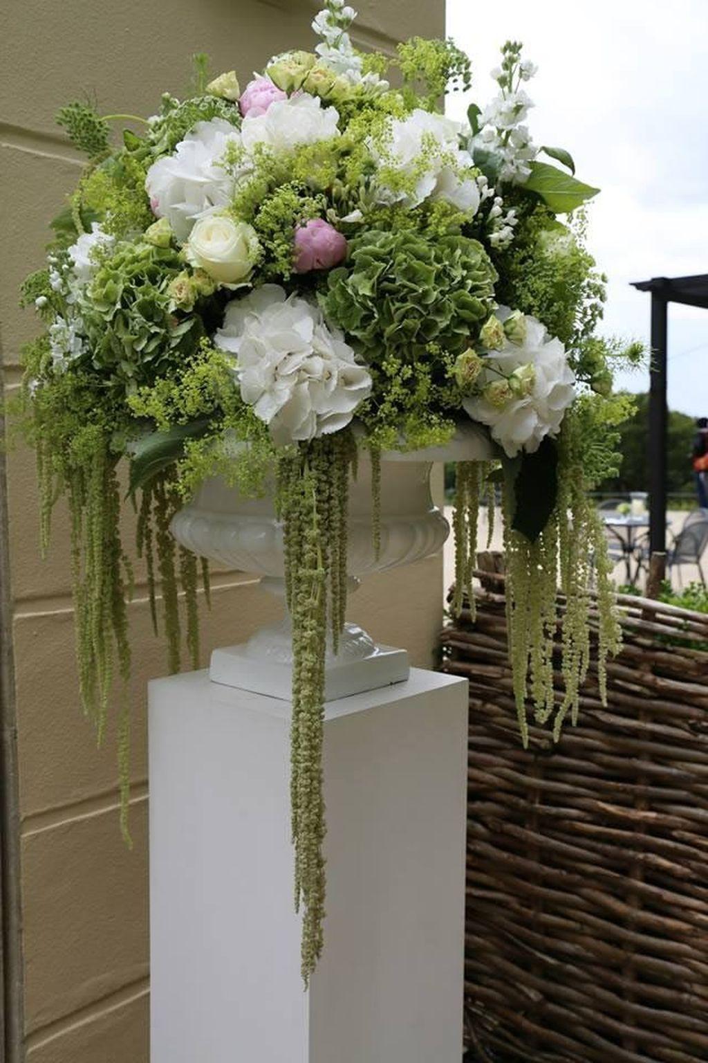 Amazing Unique Flower Arrangements Ideas For Your Home Decor 03