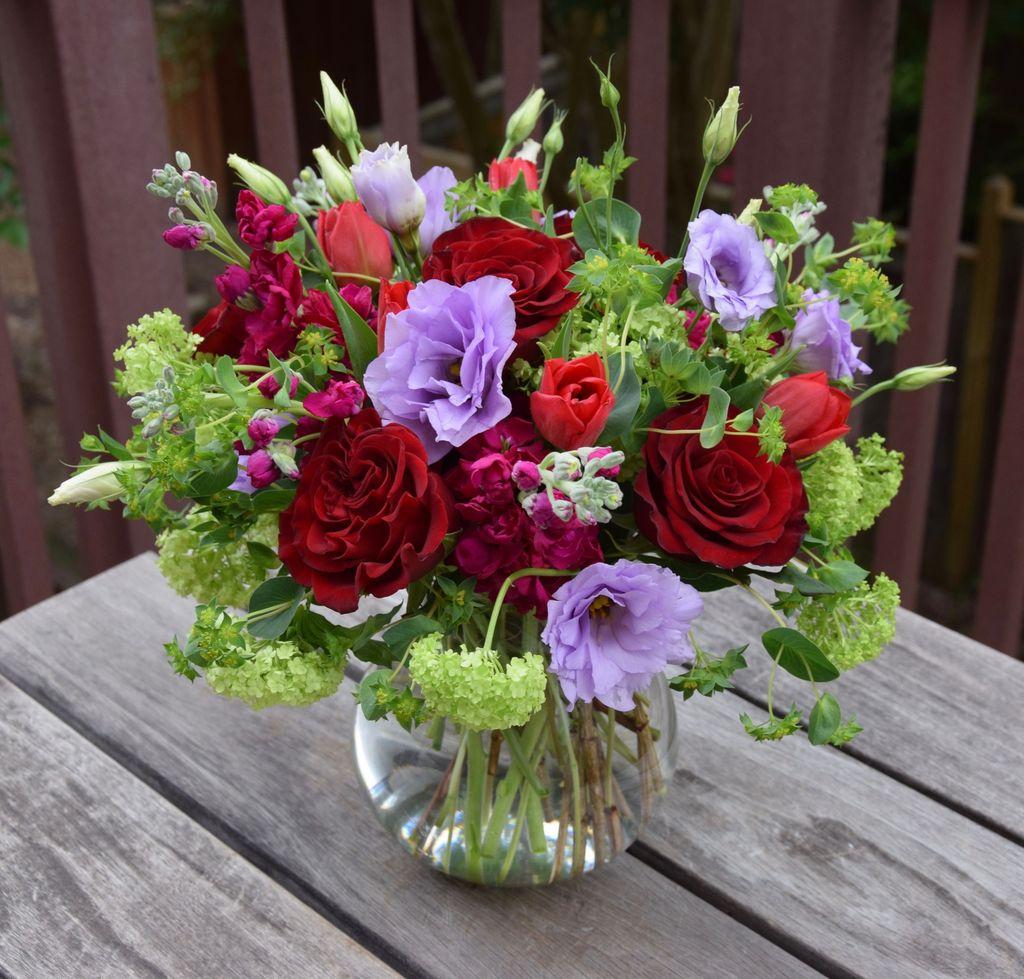 Amazing Unique Flower Arrangements Ideas For Your Home Decor 07