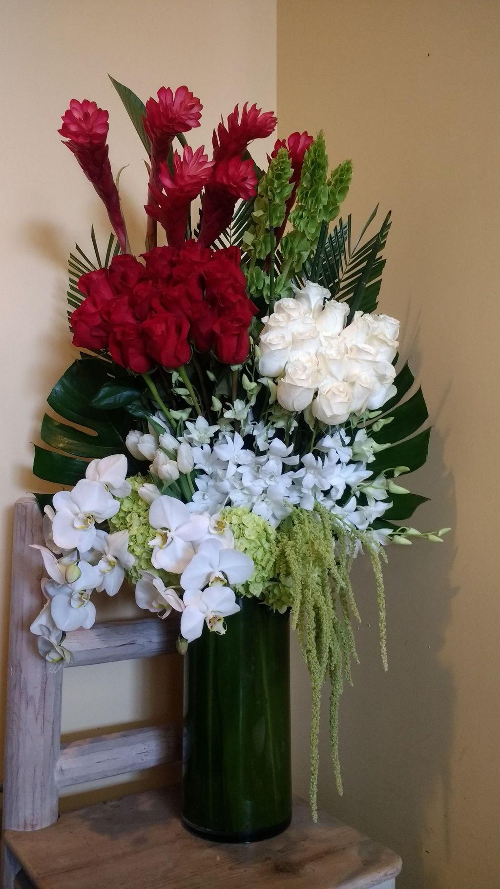 Amazing Unique Flower Arrangements Ideas For Your Home Decor 15
