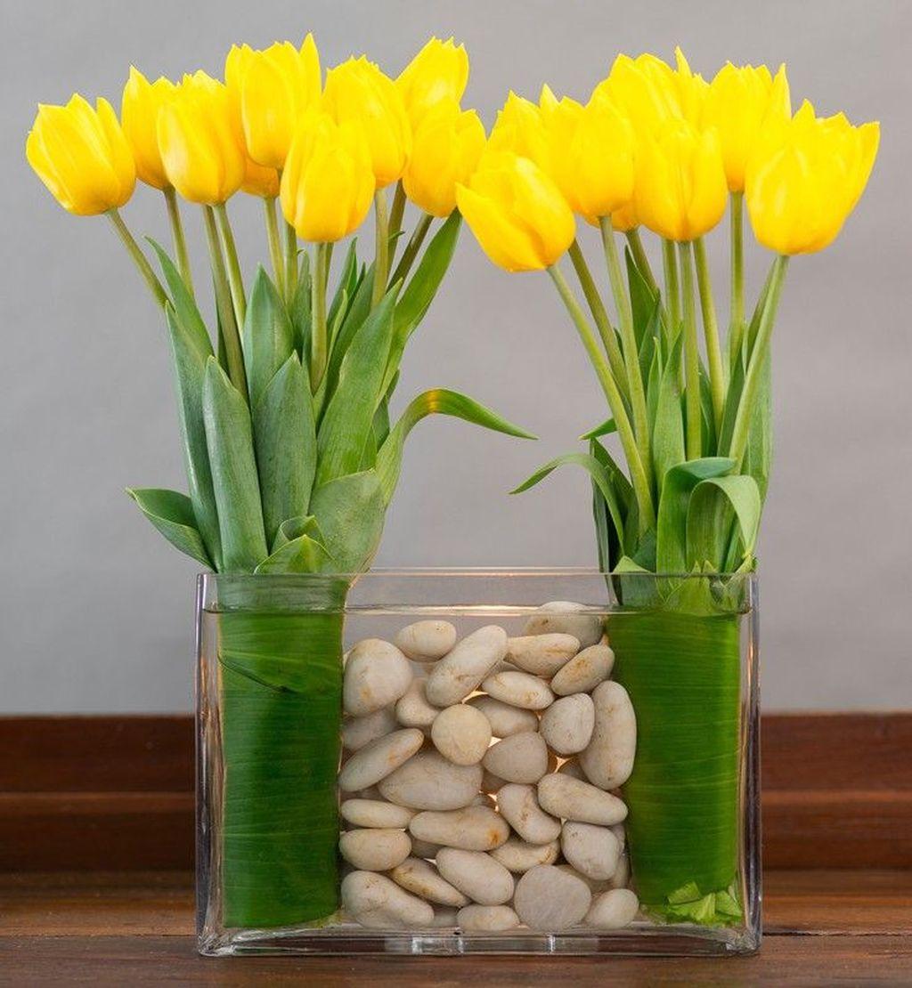 Amazing Unique Flower Arrangements Ideas For Your Home Decor 17