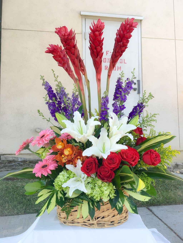 Amazing Unique Flower Arrangements Ideas For Your Home Decor 23