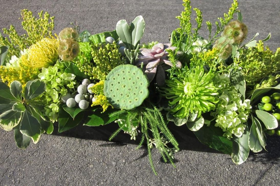 Amazing Unique Flower Arrangements Ideas For Your Home Decor 24