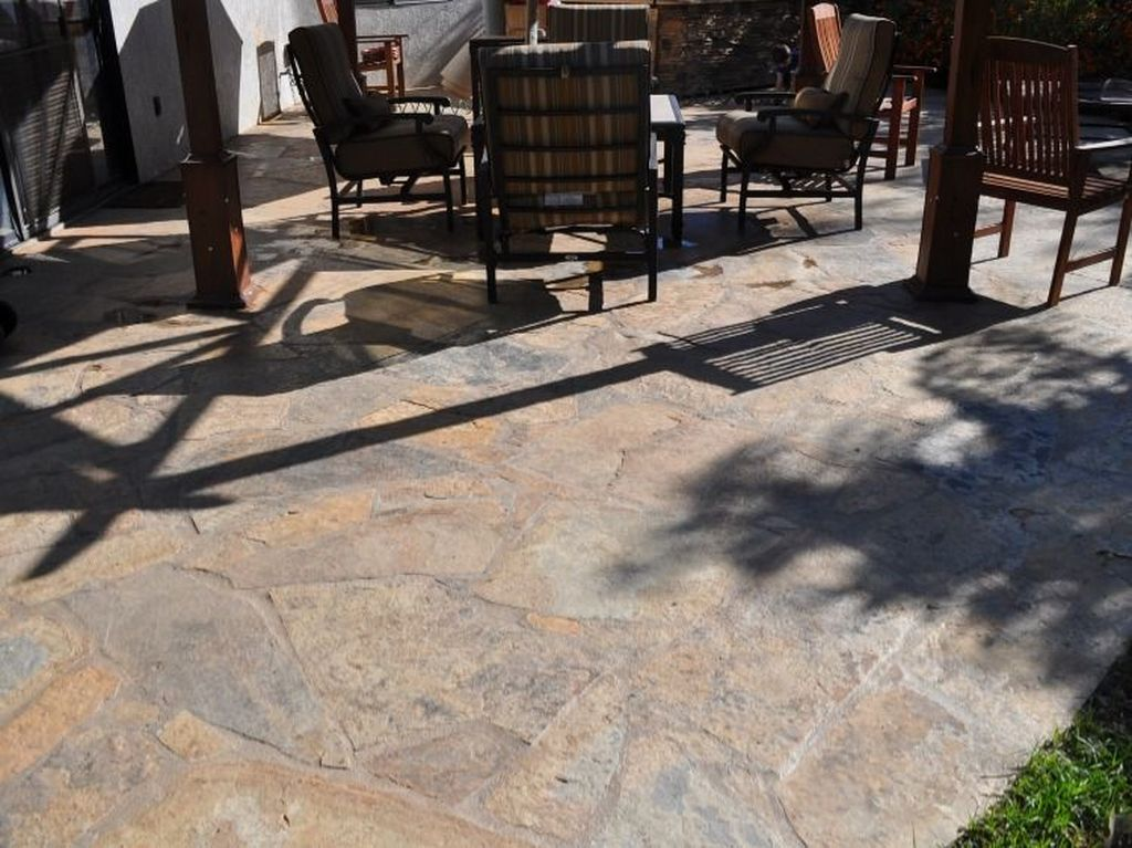 Awesome Flagstone Patio Design Ideas 17