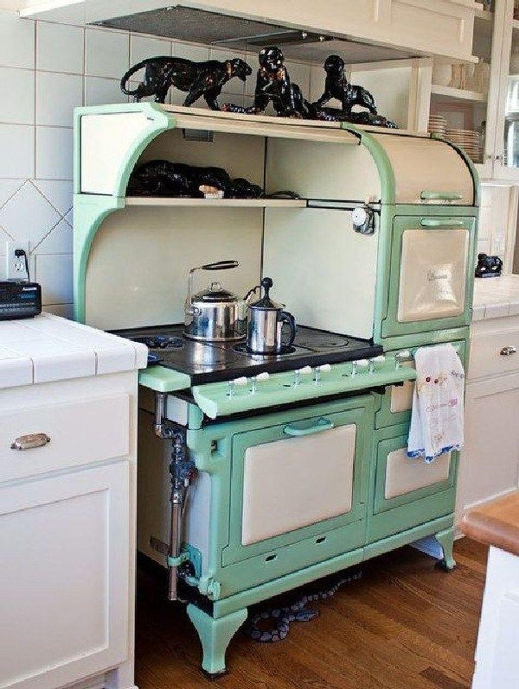 Awesome Retro Kitchen Design Ideas 03