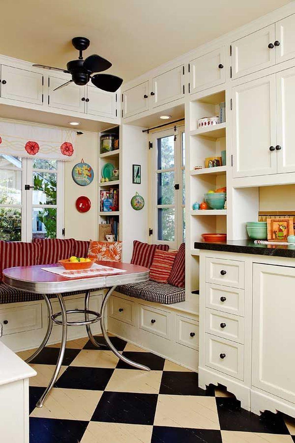 Awesome Retro Kitchen Design Ideas 04
