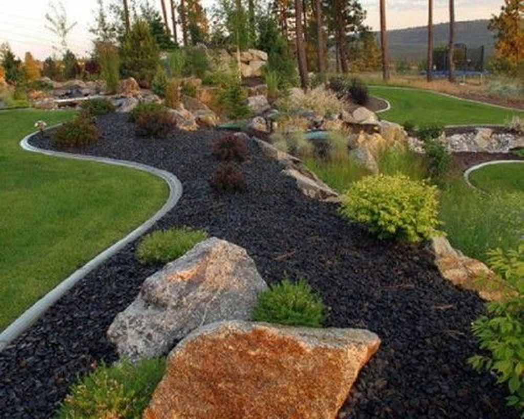 Awesome River Rock Landscaping Ideas 06