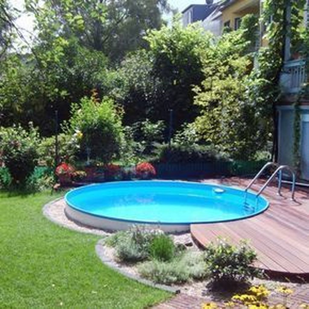 Awesome Small Pools Design Ideas For Beautiful Backyard Landscape 16
