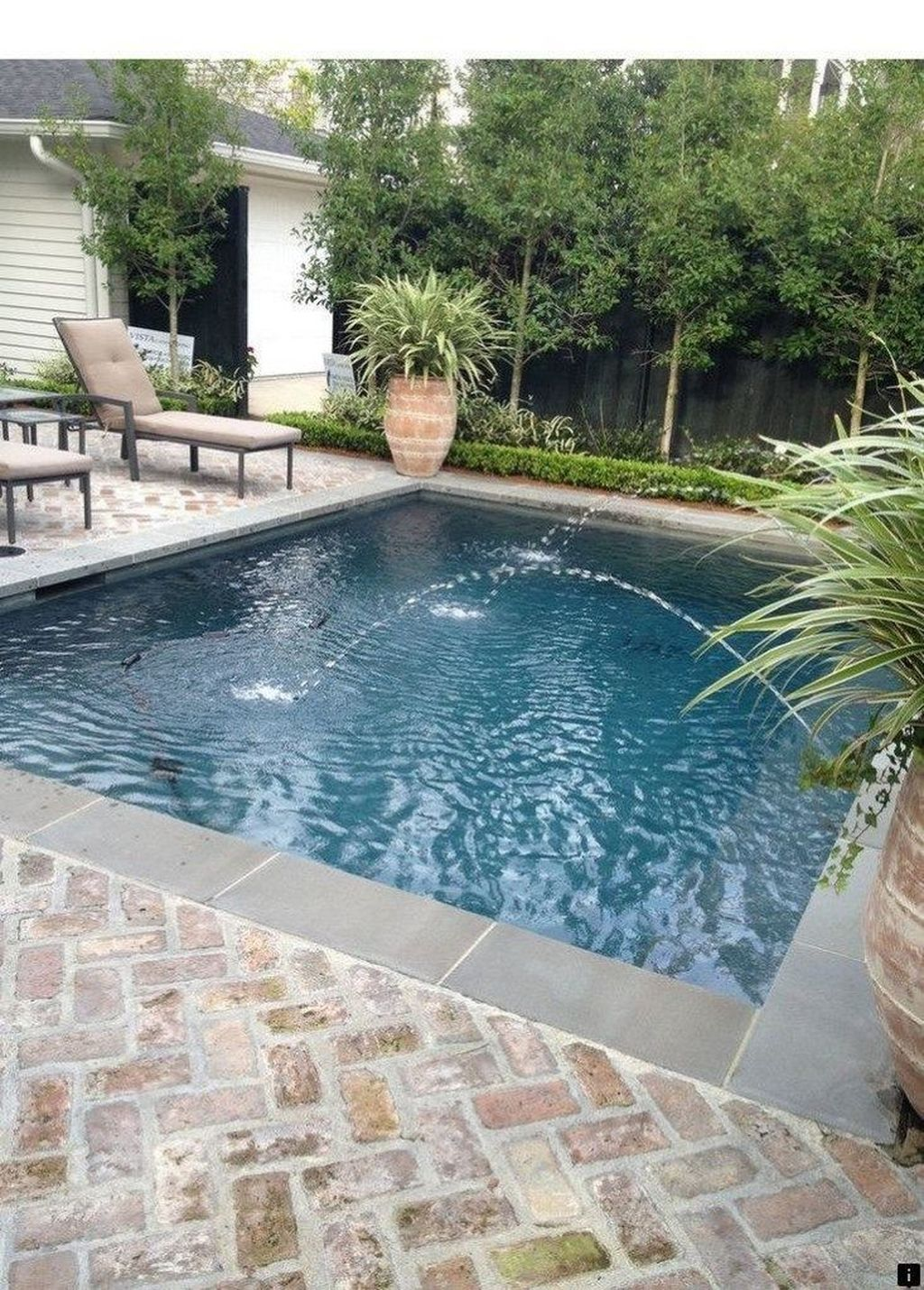 Awesome Small Pools Design Ideas For Beautiful Backyard Landscape 28