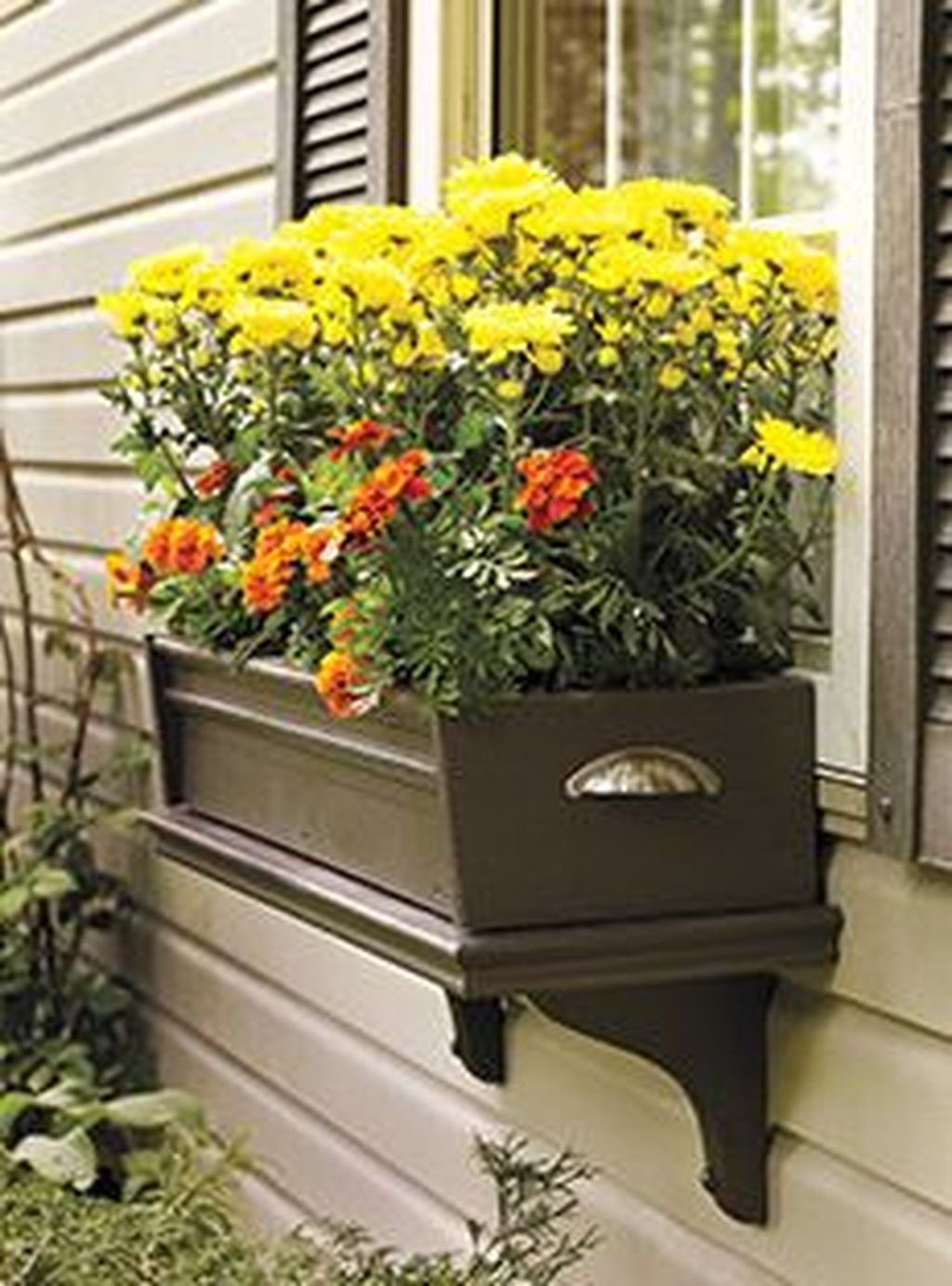 Beautiful Fall Window Boxes Design Ideas 32
