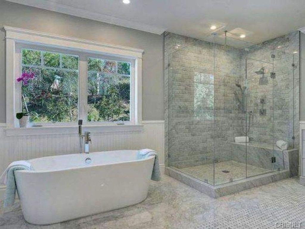 Beautiful Master Bathroom Design Ideas 13