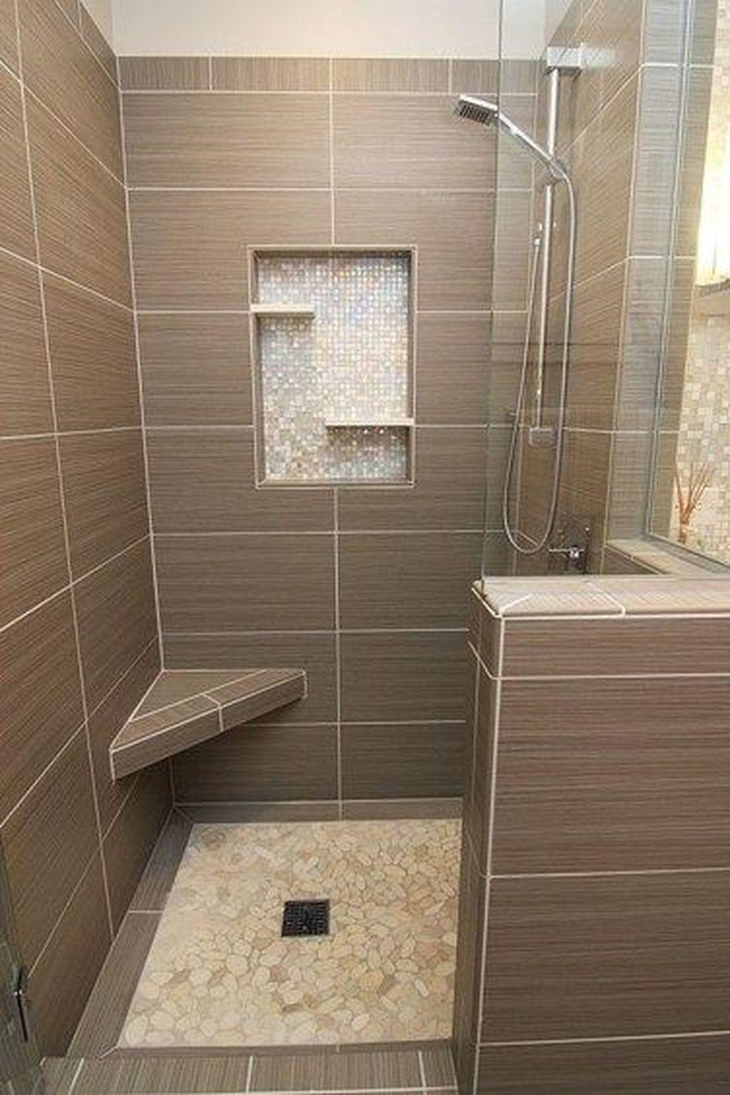Beautiful Master Bathroom Design Ideas 34